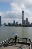 Misero selfie di giorno a Shanghai Bund Immagine Stock