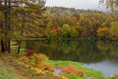Mishaka-Teich in der Herbstsaison Lizenzfreie Stockbilder