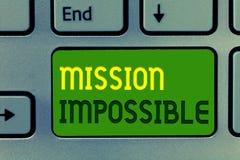 Misión imposible del texto de la escritura de la palabra El concepto del negocio para la asignación peligrosa difícil aisló tarea imagen de archivo
