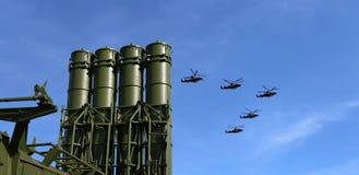 Misiles antiaéreos rusos modernos y aviones militares Fotografía de archivo