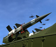 Misiles antiaéreos rusos modernos y aviones militares Imagen de archivo libre de regalías