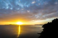 Misja Podpalany wschód słońca Zdjęcia Royalty Free