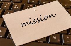 Misja teksta pojęcie nad klawiaturowym tłem Fotografia Royalty Free