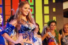 Miss Costa Rica som slitage den nationella dräkten Royaltyfri Bild