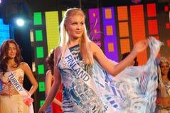 Miss finland som slitage den nationella dräkten Fotografering för Bildbyråer