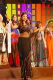 Miss nepal som slitage den nationella dräkten Royaltyfria Bilder