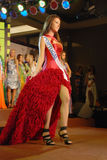 Miss portugal som slitage den nationella dräkten Royaltyfria Foton