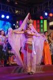 Misser Libanon dat Nationaal kostuum draagt Royalty-vrije Stock Afbeeldingen