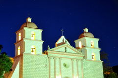 Mission Santa Barbara la nuit photo stock