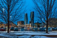 Mississauga, Καναδάς, στις 14 Φεβρουαρίου 2019: Οι δίδυμοι πύργοι απόλυτου Condos μέσα, αυτά τα condos Mississauga πολυόροφων κτι στοκ εικόνα