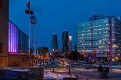 Mississauga, Canadá, o 14 de fevereiro de 2019: As torres gêmeas de condomínios absolutos dentro, estes condomínios de Mississaug imagens de stock royalty free