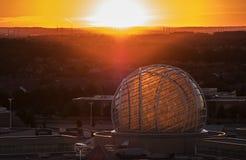 Mississauga, Canada - 11 agosto 2018: Punto di vista di Erin Mills Town Centre al tramonto Fotografie Stock Libere da Diritti