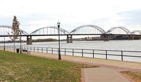 Mississippi River bro Fotografering för Bildbyråer