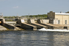 Mississippi River Dam. Panorama of a Mississippi River dam with an adjoining 100 year old paper mill in St. Cloud, Minnesota, USA Stock Photography