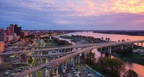 Mississippi River soluppsättning royaltyfria foton