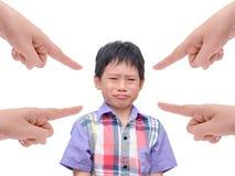 Missnöjd pojkeborrning Arkivfoton