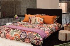Missoni-Doppelbett auf Anzeige an HOMI, Ausgangsinternationales Zeigung in Mailand, Italien lizenzfreies stockfoto