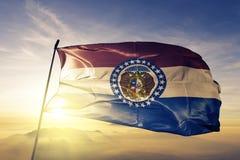 Missouri stan Stany Zjednoczone Ameryka flaga tkaniny tekstylny sukienny falowanie na wierzchołku ilustracji