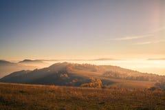 Mist in de bergen Stock Foto