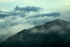 Mist in de bergen Stock Foto's
