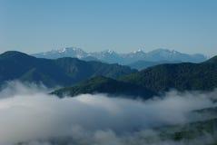 Mist in de bergen van de Kaukasus Royalty-vrije Stock Foto