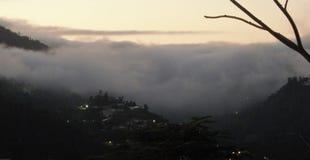 Mist in de bergen van Puerto Rico stock foto's