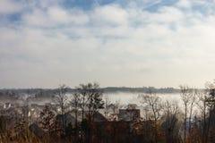 Mist in de voorsteden Royalty-vrije Stock Foto's