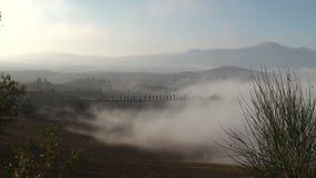 Mist die in over Italiaans landschap rollen stock footage
