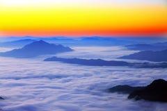 Mist op berg Royalty-vrije Stock Fotografie