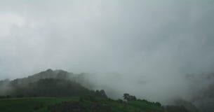 Mist op heuvel Royalty-vrije Stock Afbeeldingen