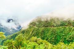 Mist over de Doodsweg in Yungas van Bolivië Stock Afbeelding