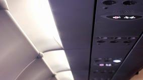 Mist van de airconditioner in de vliegtuigen stock footage