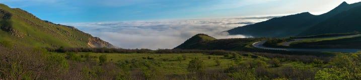 Mist vanaf de bovenkant van de bergen Royalty-vrije Stock Foto