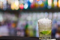 Misted над стеклом коктеиля Mojito Стоковые Фото