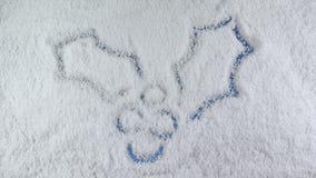 Mistelzweig gezeichnet auf Schnee stock footage
