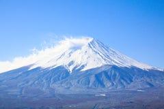Misten och snön på Fujiyama Arkivbilder