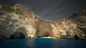 Mistero di acqua la caverna Immagine Stock