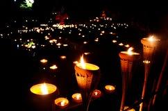 Mistic菩萨与蜡烛的天庆祝 免版税库存照片