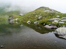 Mistig bergmeer Royalty-vrije Stock Afbeelding
