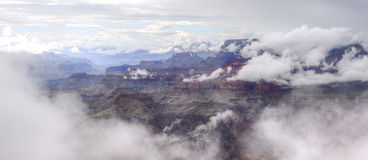 Mistig Grand Canyon Stock Afbeeldingen