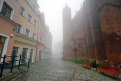 Mistig straatlandschap van Kwidzyn Stock Afbeelding