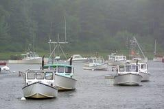 Mistige boten Stock Foto's