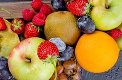 misto molti frutti stagionali differenti fotografie stock