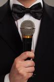 Mistrz ceremonie z mikrofonem obrazy stock