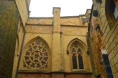 Mistrzowska katedra Z Swój Abovered Windows W Warownym miasteczku Getaria Architektura wieków średnich podróż Zdjęcia Stock