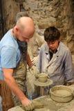 Mistrzowska klasa w ceramicznym Kamenetz-Podolsk kasztelu Maj 1, 2012 wewnątrz, zdjęcie stock