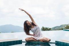 mistrzu jogi młode kobiety Zdjęcie Stock