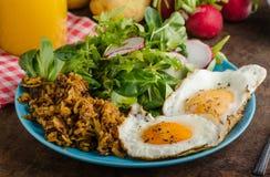 Mistura - batata dos marrons com ovos Imagens de Stock Royalty Free