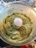 Mistura caseiro do pão do abacate do paleo no misturador Imagem de Stock