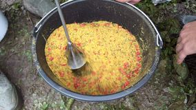 Mistura com os ingredientes de um misturador para a isca de pesca Pescando a atração filme